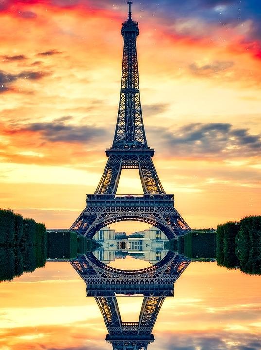 PARIS E AS CAPITAIS IMPERIAIS