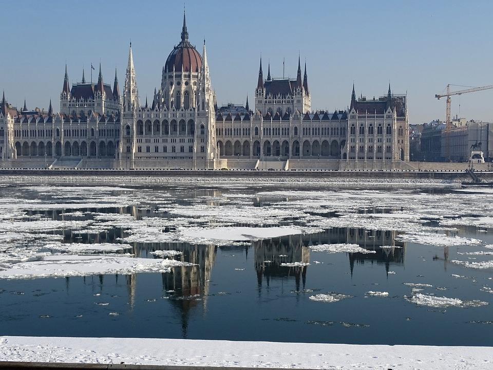 RÉVEILLON - VIENA - BUDAPEST - PRAGA
